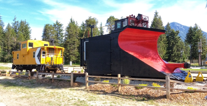 CP Snowplow #400648 is displayed in front of a 1977 CP Rail Caboose that the Nakusp Rail Society is also restoring. (Photo: Caroline Ross)
