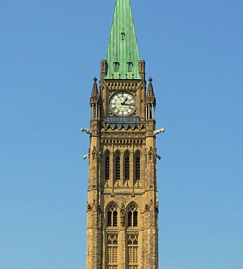 Photo of the section of the Peace Tower housing the carillon.