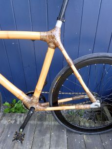Rear triangle - lots of sisal-epoxy wraps!