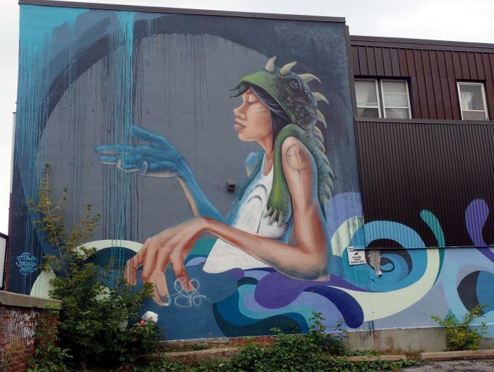 Photo of mural at 1115 Bank Street.
