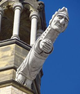 Photo of gargoyle on Peace Tower.